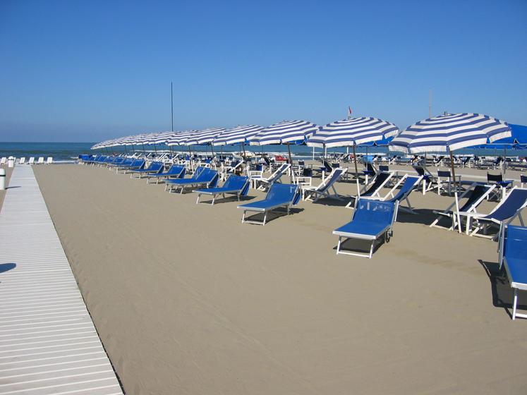 Bagno Mediterraneo Marina Di Pietrasanta Versilia